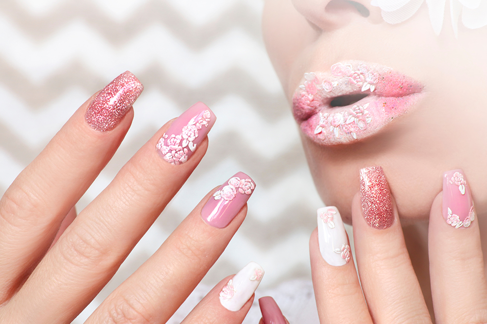 Pink manicure Top Coat Nails